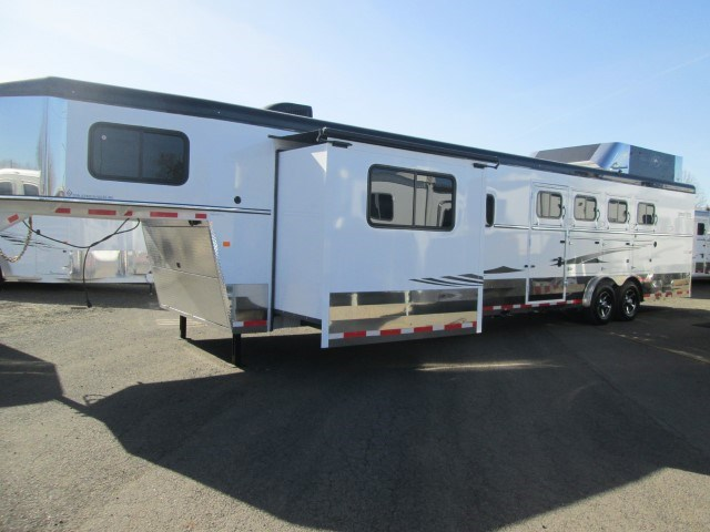 New 2015 Trails West Sierra Specialite 4 Horse LQ