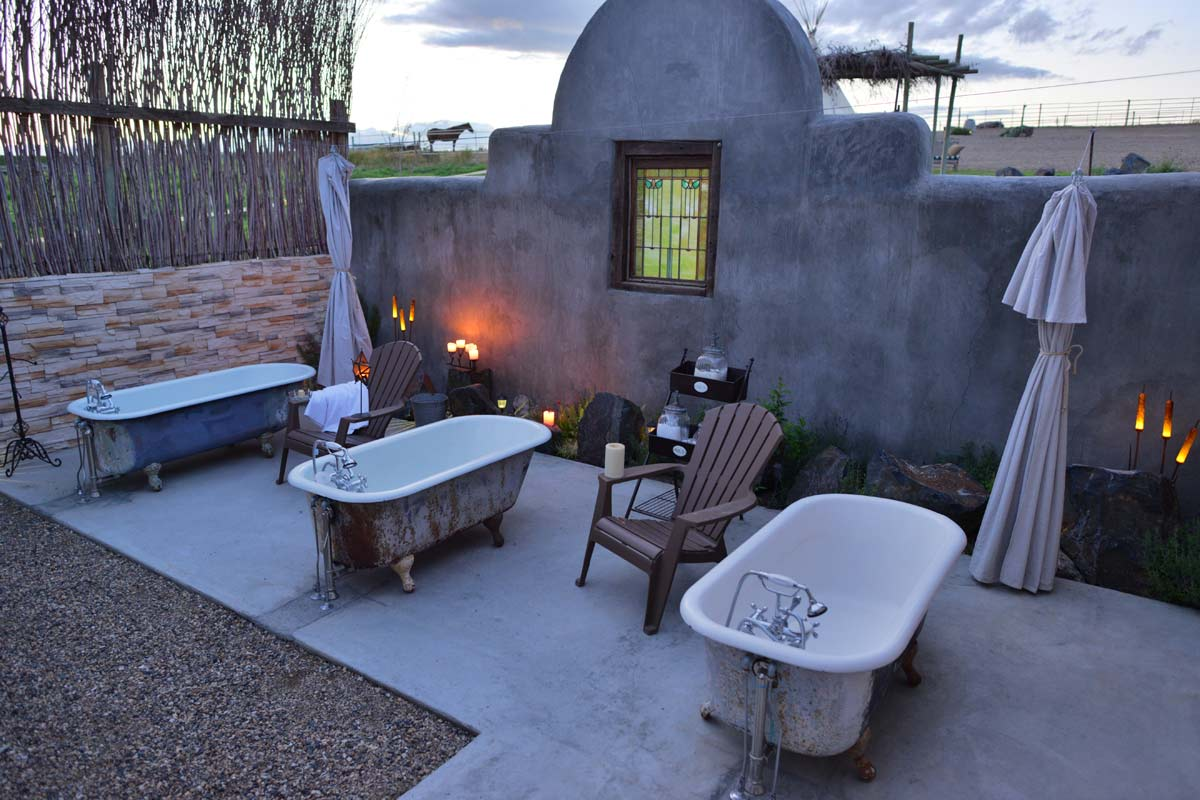 Restore yourself –  Warm soothing waters, delicately scented bath salts, a gentle breeze through the willows and nothing but the wide open skies above – there's no better way to end a day in the wine country.