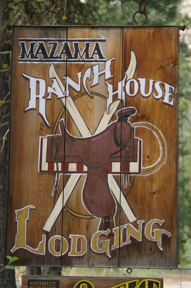For the horse lovers, we have the best little horse hotel in Washington. We have horse facilities onsite that are free with the rental of a room and include corrals and a riding arena. Step off your porch, saddle up and ride off.