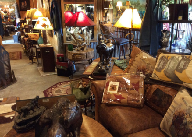Visit a shop that's truly unique, offering our customers a visit to a working farm along with your day of shopping.